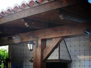 Estructuras de madera en la construcción de un paellero en Valencia